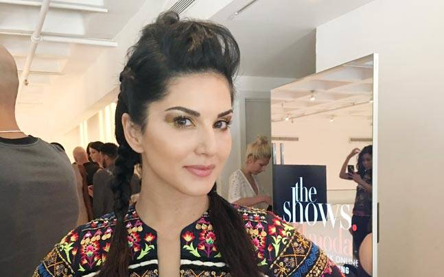 Sunny Leone at New York Fashion Week 2016. Picture courtesy: Twitter/@DanielWeber99