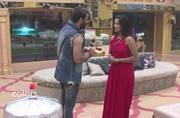 Bigg Boss 10 Day 8: Is something cooking between Mona Lisa and Manu Punjabi?