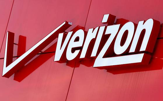 Verizon pushes for $1 billion discount on Yahoo deal: Report