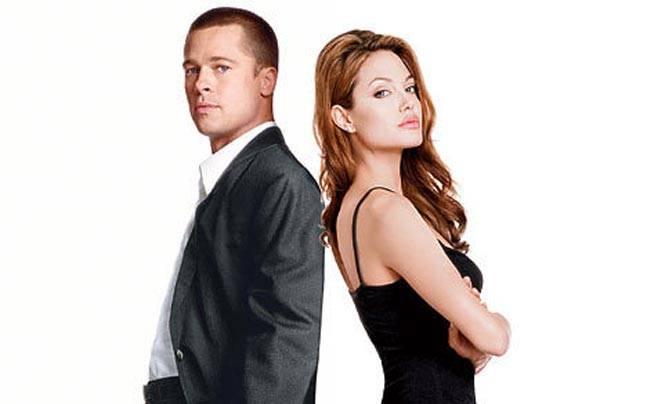 Brad Pitt (L) and Angelina Jolie