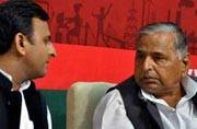 Akhilesh vs Mulayam: CM loyalists hit Lucknow streets in protest against expulsion