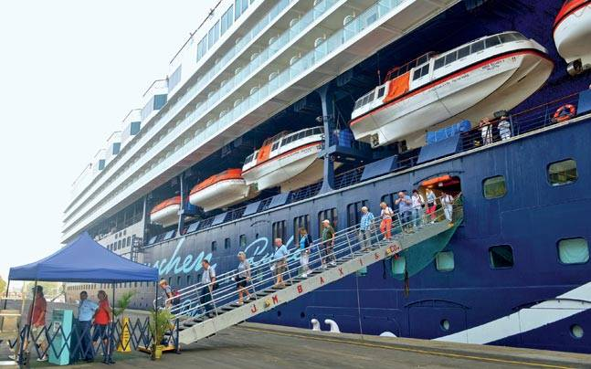 The Mein Schiff 1 arrived at Mumbai on November 13