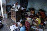 'Signal schools' to be launched by the Maharashtra government: Underprivileged street kids to get education