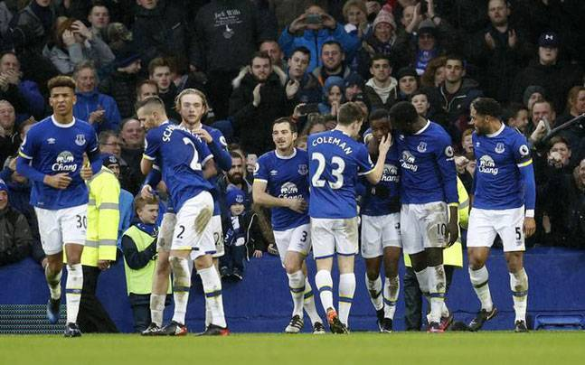 Manchester City S Title Hopes Dented After 4 0 Rout At Everton Sports News