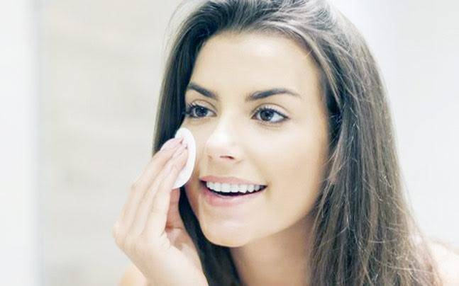 5 cheap, natural remedies to remove that stubborn makeup