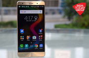 Asus ZenFone 3 Deluxe review: Making a point