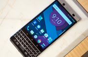 Mercury looks like old-school BlackBerry, to launch at MWC