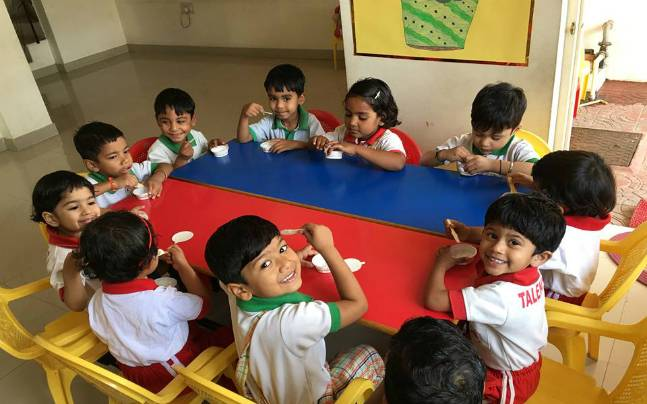 no school admission if parents have more than 2 kids says delhi