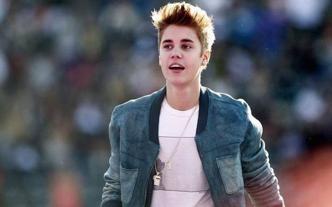 Justin biebers mumbai concert ticket will cost rs 76000 only if photo reuters m4hsunfo