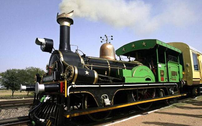Top 5 Luxurious Trains in India