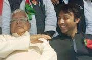 Lalu claims he is a freelance politician, can go anywhere to root out BJP, RSS