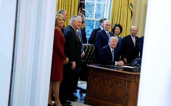 US President Donald Trump with his cabinet (Reuters photo)
