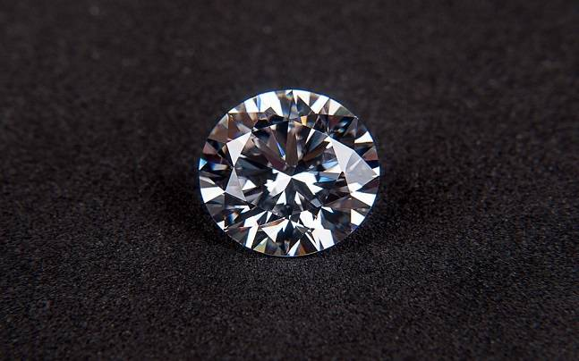 royalty in carat of diamond free artificial on stock display shop costly shiny glass image diamonds images luxury a