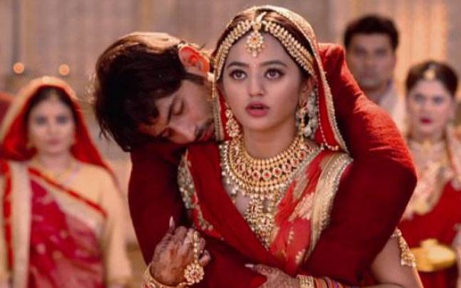 Devanshi to marry a dead body in the upcoming episode. Picture courtesy: Voot