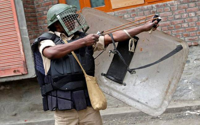 Plastic bullets to replace pellet guns for stone-pelters in Kashmir ...