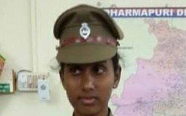 Prithika Yashini, Indias First Transgender Police Officer -9106