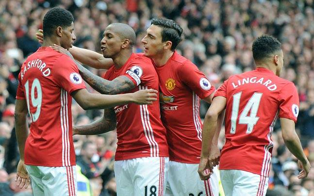 Manchester united fc beat chelsea fc at old trafford to open up manchester united ap photo voltagebd Images