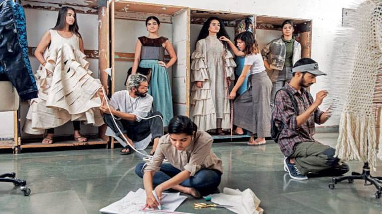 India S Best Colleges Nift Delhi Makes A Hat Trick In Fashion Schools Category Best Colleges News Issue Date May 22 2017
