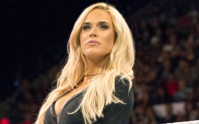Лана переподписала контракт с WWE