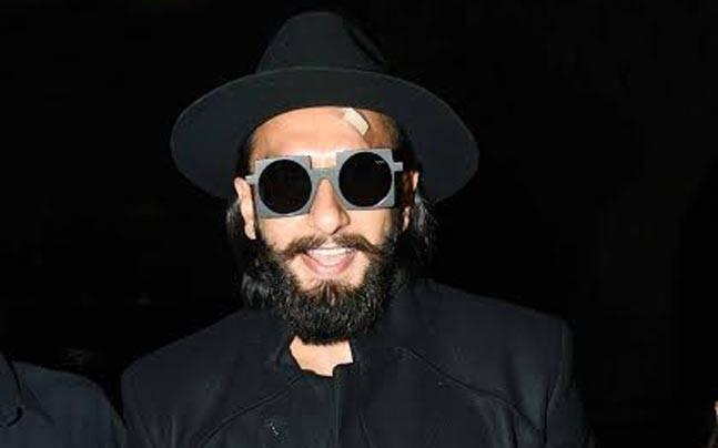 8cef565528 Ranveer Singh is back in black