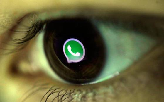 WhatsApp briefly stopped working last night, no one knows why and