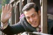 Watch Tubelight teaser: Salman Khan is a simpleton stuck in the 1962 Indo-China war