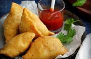5 best samosa places for your perfect Delhi monsoon treat