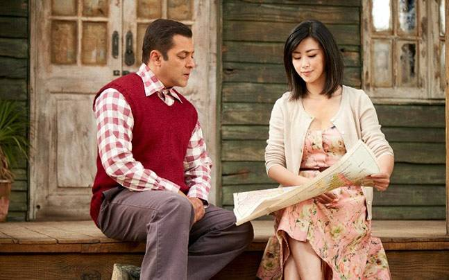 Salman Khan and Zhu Zhu in a still from Tubelight