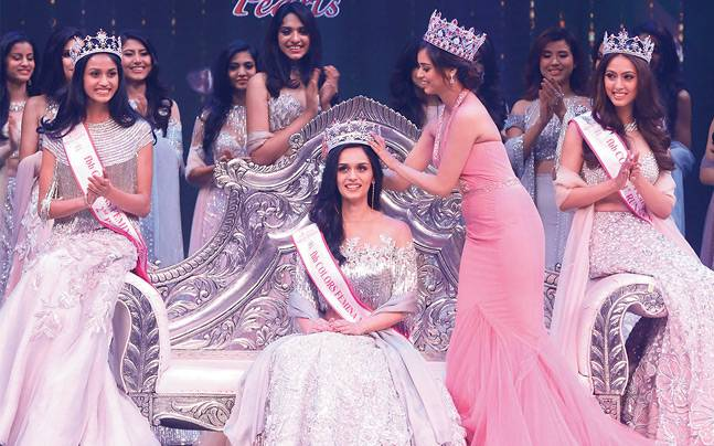 Manushi Chhillar being crowned Miss India World 2017. Photo: Mail Today