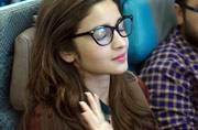 Smelly feet to armrest hogging: How to manage mid-air awkwardness so you don't end up like Twinkle Khanna