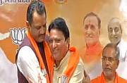 More trouble for Congress in Gujarat, 3 Vaghela supporters join BJP