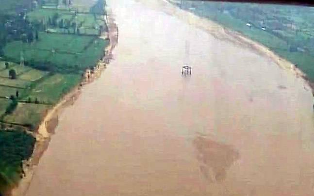 Gujarat Chief Minister Vijay Rupani conducted an aerial survey of Banaskantha district today.