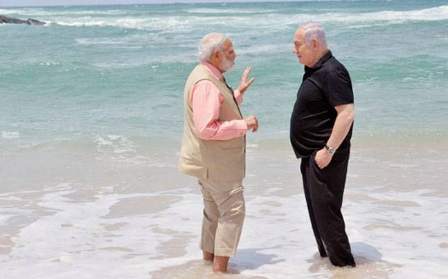Boys on the beach pm modis date with buddy netanyahu who drives before publicscrutiny Gallery