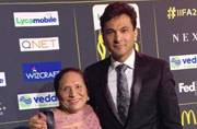 Vikas Khanna took his mom to the IIFA Awards, and had a great weekend