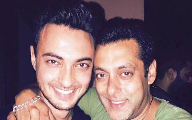 Aayush Sharma (L) and Salman Khan