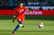 Midfielder Marcelo Diaz left out of Chile squad for World Cup qualifiers