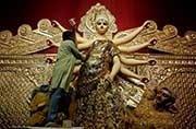 22 kg gold sari worth Rs 6.5 crore for Goddess Durga at this Kolkata pandal