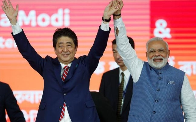 Japanese PM Shinzo Abe and Indian PM Narendra Modi | Photo : Reuters