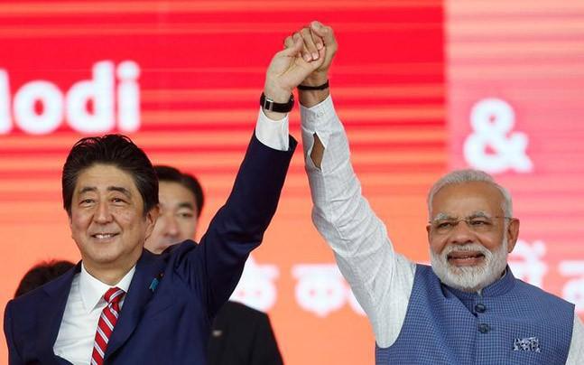 Narendra Modi with Shinzo Abe in Gandhinagar, Gujarat (Reuters photo)