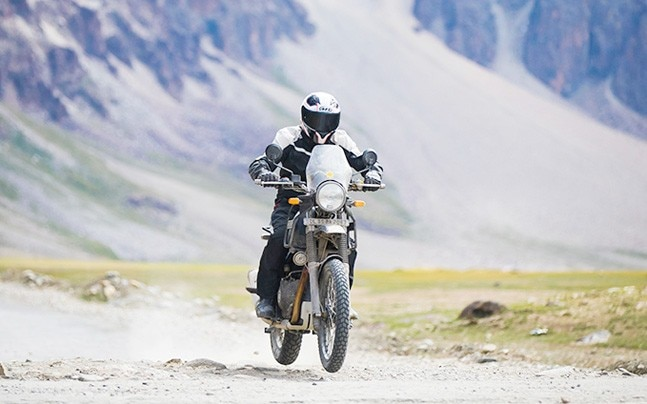 royal enfield himalayan bsiv model finally goes on sale auto news