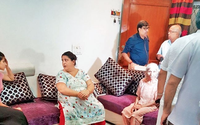 The men tried extorting Rs 20 lakh from a Delhi family