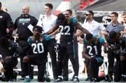 #TakeAKnee takes America by storm, Twitter lends support to NFL players
