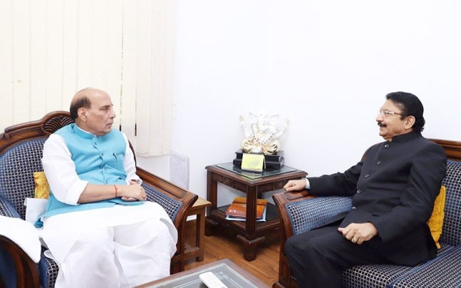 Governor Rao with Home Minister Rajnath Singh (Photo: ANI)