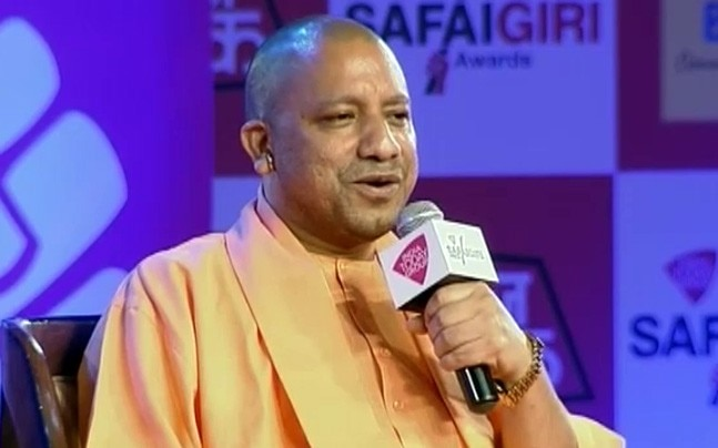 Uttar Pradesh Chief Minister Yogi Adityanath at Safaigiri Awards 2017