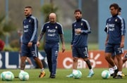 The Argentinian puzzle: Great individuals but misfiring team