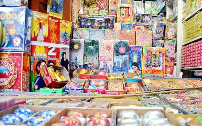 India Today sting finds cracker sale rampant in Delhi, NCR