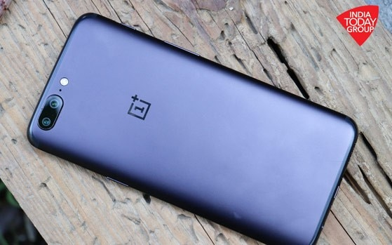 OnePlus at it yet again, uses Diwali promo to put OnePlus 5 in spotlight
