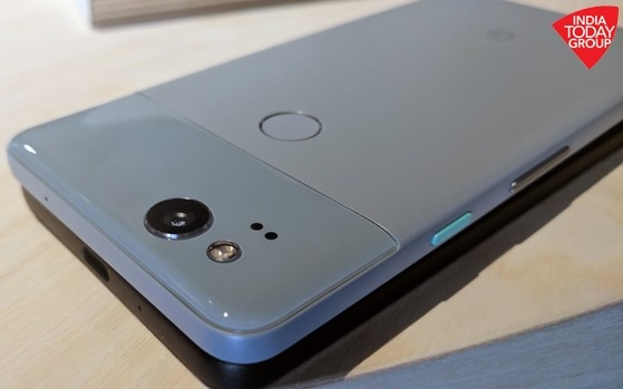 Google Pixel 2 And XL Lack 35mm Headphone Jack Because Its About Future