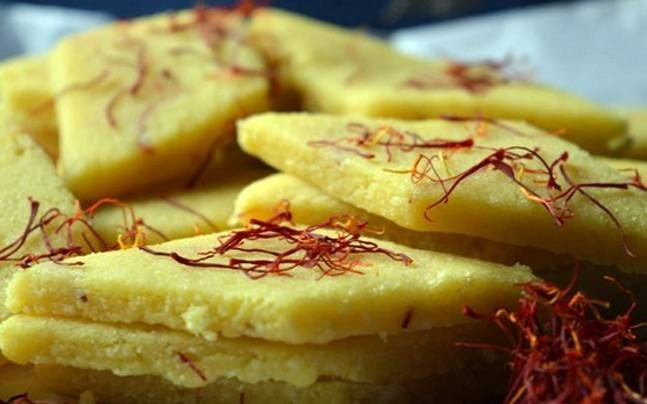Kaju katlis are quite easy to make, and healthier when made at home. Picture courtesy: Instagram/sameet1218