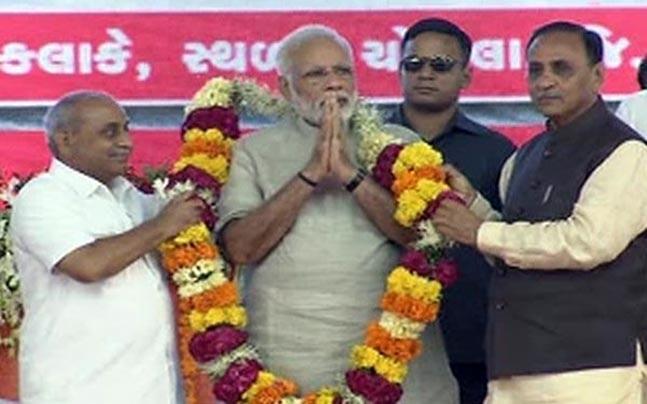 Narendra Modi addressing a rally in Gujarat's Dwarka. Photo: ANI.